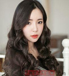 韩式中长发发烫发发型