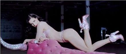 钢管舞娘珍妮佛提莉-国际在线娱乐报道 近日,据国外媒体报道世界最贵脱衣舞娘蒂塔・万提...