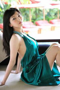 性感丰满的日本 少妇野外 人体艺术写真美女诱惑