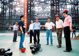 张亮在鸟巢工地直播现场-张亮专访 电视新闻创新的执着探索者