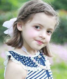 小女孩短发甜美刘海编发-四年级小孩的头发怎么编 小女孩短头发编辫...