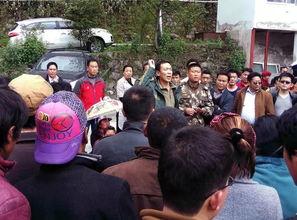 五月丁香啪啪网-闯入风暴眼   4月25日中午,李冬带几个人来到樟木镇,是为了做规划...