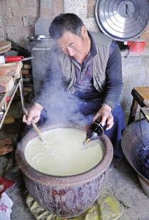 传统卤水做豆腐