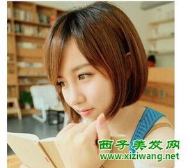 萌萌的短发发型图片 年轻女生必备俏皮短发型