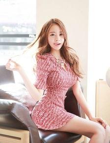 韩国电竞美女主播晒性感照 丰胸细腰翘臀