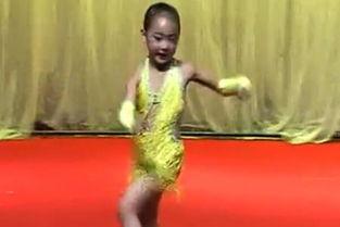 视频名称:幼儿园儿童舞蹈 余涵乔单人拉丁舞-幼儿园儿童舞蹈 余涵乔...