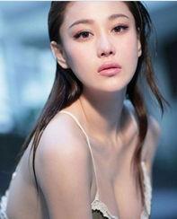 张馨予王李丹妮 中国F罩杯女星大PK-胸器打天下 盘点娱乐圈巨乳女星