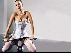 japanesetub双性人-肉弹代表作:《晚娘》   提名原因:完美S曲线   钟丽缇2001年的《晚...