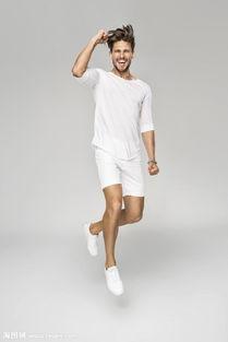 穿短裤跳跃的男士摄影图片素材 图片ID 964567 男人图片 人物图片