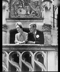,在1936年加冕成为爱德华八世,但是他的统治极其短暂.他决定迎娶...
