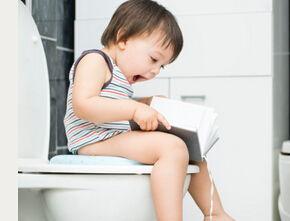 小女孩儿童脱厕所裤子-1.准备适合的用具   这是最开始,也是最重要的一步,你要购买适合宝...