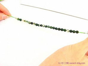 水晶手链串珠教程 简单的串珠手链编法