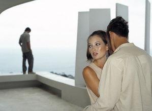 ...爱你 为什麽有男朋友的女生,男人还是想追