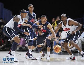 ...尼.当日,美国国家男子篮球队在华盛顿举行公开训练,备战伦敦奥...