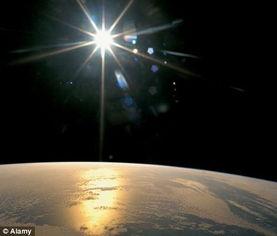 云的轨迹-一颗沿太阳系外轨道运行的巨大行星可能促使彗星飞向我们的太阳系....