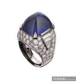 磁力链媲美欣65 下载- BVLGARI宝格丽蓝宝石钻石铂金Trombino戒指,创作于1971年 这枚戒...