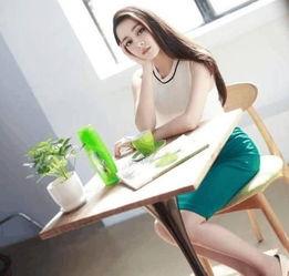 ...两朵花,25岁迪丽热巴和28岁杨颖,谁更会穿衣服