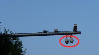 ...般常见于在十字路口安装与违章监控摄像头的灯杆,及信号灯杆.-...