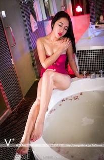 红艳迷人惹火小荡妇 性感美女 美女图片