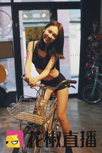 ...月美女说脱就脱光腚 西单北京西单惊现 光腚骑行 球王直播网