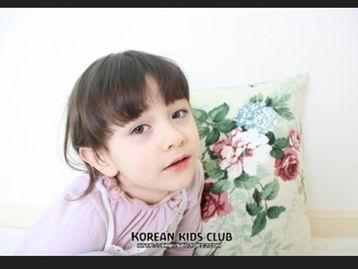 ...谁知道这女童的名字或有她的图片的,请发布一下,谢谢啦
