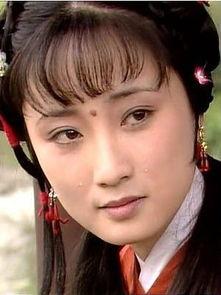 香菱 陈剑月26岁女儿近照 眉眼与母相像