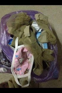 ...,今天找在宿舍垃圾桶里面捡了双鞋和一点丝袜我想穿,可以吗