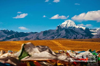 这里是世界的中心.相传苯教发源... 印度教认为该山为湿婆的居所,世...