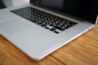 苹果macbook air 13寸表面脏了如何清洁