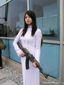 说起女兵,大家可能会想到电视剧《特种兵之火凤凰》里面的女兵那叫...