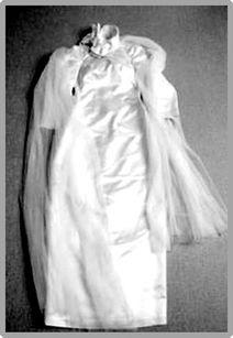 梅艳芳公祭今日举行 其寿衣款式简洁高雅