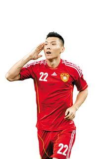 郑龙在不到20分钟内攻入两球.   为备战10月和11月同印尼的两场亚洲...