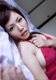 ...诱人的 美丽 少妇 少妇脱衣妩媚 表情 自拍美