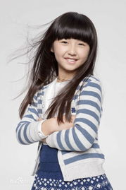 av五十路母超熟avzaix-张子枫(出生日期:2001年08月27日)张子枫小时候参加《超级少年...