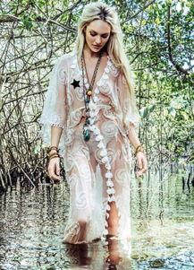 ...密御用天使超模坎迪斯·斯瓦内普尔(Candice Swanepoel)日前为...