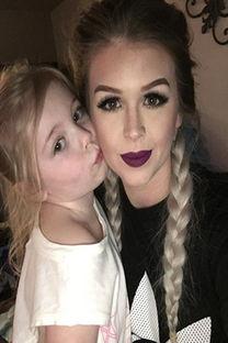 美国女子上传3岁女儿化妆视频被指虐待儿童
