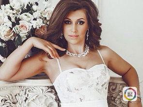 俄罗斯38岁女歌手竞选 全球最美奶奶