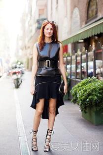 ...带 +绑带黑色高跟鞋 +墨镜+手拿包-时尚又百搭 一条小黑裙时髦一辈子