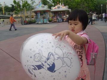 我行我色玩爽-备注:迪斯尼是这样的地方,孩子进去后感受到的绝对是快乐.   而成...