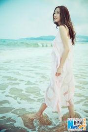张俪海滩写真唯美清纯可人 尽显美丽曲线
