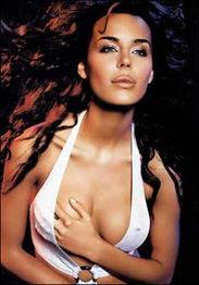 十种乳房形状 看哪种胸部最完美?(组图)-十种乳房形状 看哪种胸部...