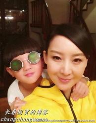 ...章来源: 国际在线发表评论>>-孙楠六岁儿子近照曝光 戴墨镜显调皮...