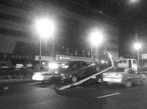 男子横穿马路被宝马撞飞5米 同一路段事故频发