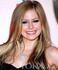 的艺人,她富于激情的唱腔非常具有爆发力,同时她还是年轻人追捧的...