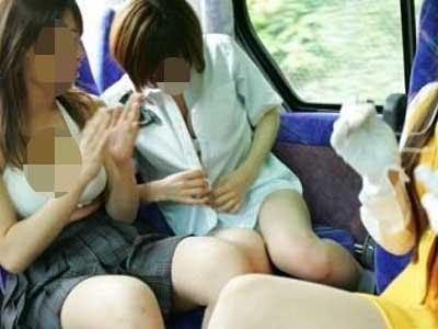真劲爆 竟敢在公交车上啪啪 图 7