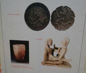 ...、象征男性生殖图腾的雕塑,观展市民杨先生表达了自己的看法露...