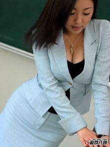 极品性感美女教师 教室搔首弄姿极致诱惑