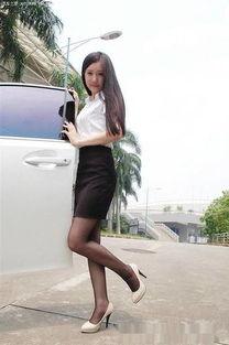 性感丝袜美女,穿上高跟美鞋岂止是妩媚动人
