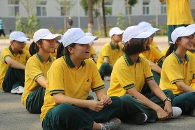特种兵王在校园-...范大学附属育新学校2014年暑期国防教育实践活动