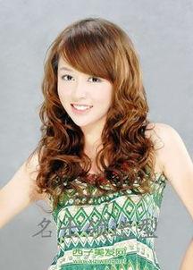 2011女生长卷发烫发发型图片